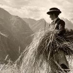 GeRDI Research Community: VERBA ALPINA - Woman in the alps (old photo)